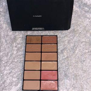 MAC Makeup Artist concealer foundation palette